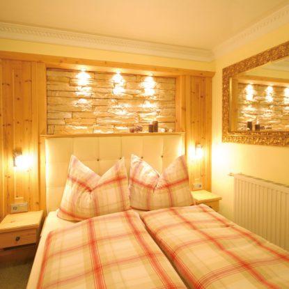 Schlafzimmer (1)